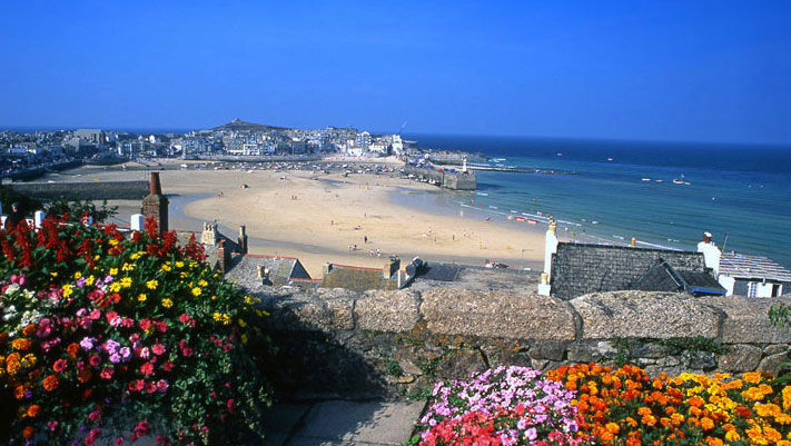 how to go to cornwall by train from london